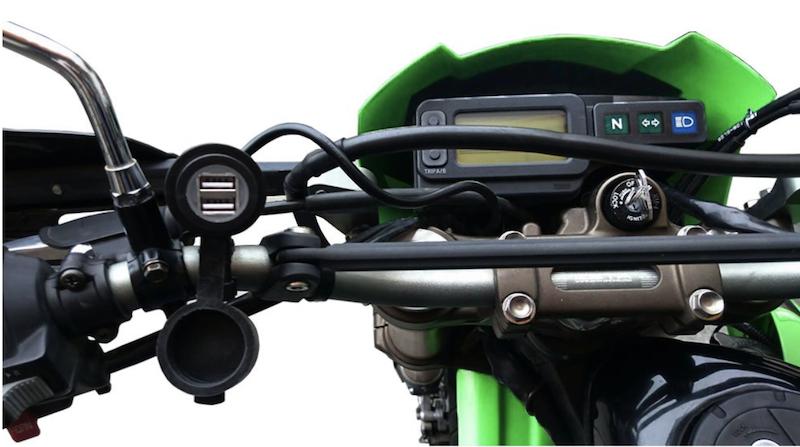 バイク用USBポートの例