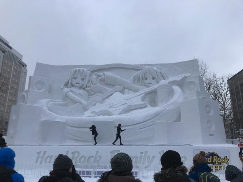 さっぽろ雪まつりの初音ミクの雪像