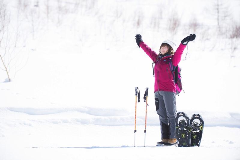 スノートレッキングが楽しめる「スノーシュー」