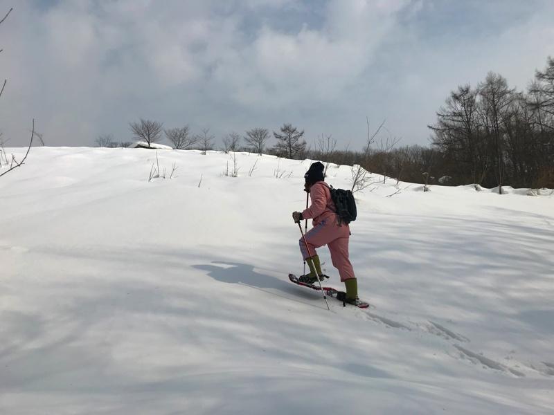 砂川市の「北海道子どの国」のスノーシュー体験