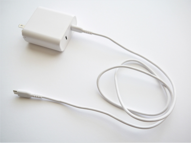 ジンバルのバッテリーの持ちのイメージ(充電器)