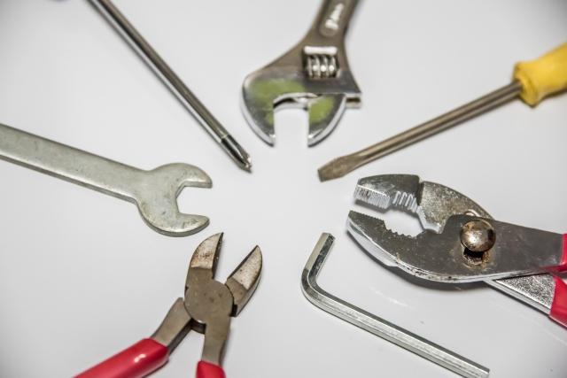 ホームセンターの安物工具のイメージ