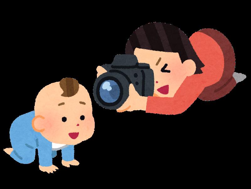 赤ちゃんの写真をとるママのイラスト