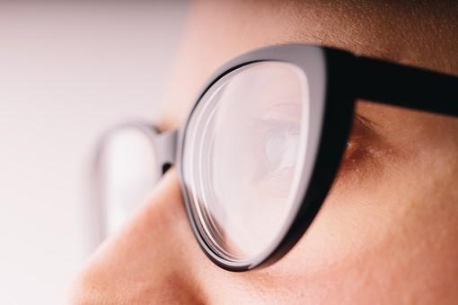 100マスクで眼鏡が曇らない方法眼鏡が曇る原因を知って曇らない