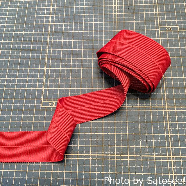 赤いストレッチテープの写真