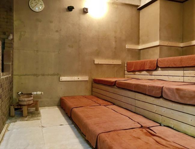 サウナセンターのサウナ室