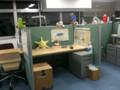 真ん中。左に長方形の机のディスカッションスペース(続き)。このパ