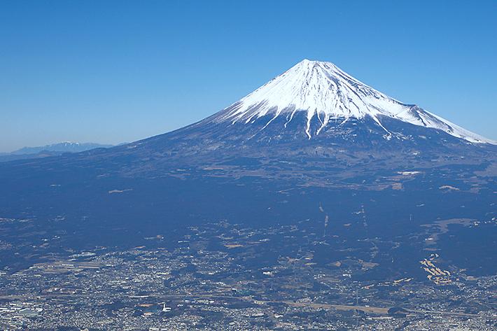 山頂に、より快適な電波を!日本最高峰 富士に挑む! - ITをもっと身近に。ソフトバンクニュース