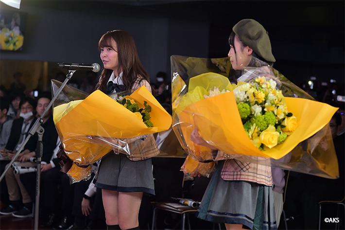 HKT48花束贈呈