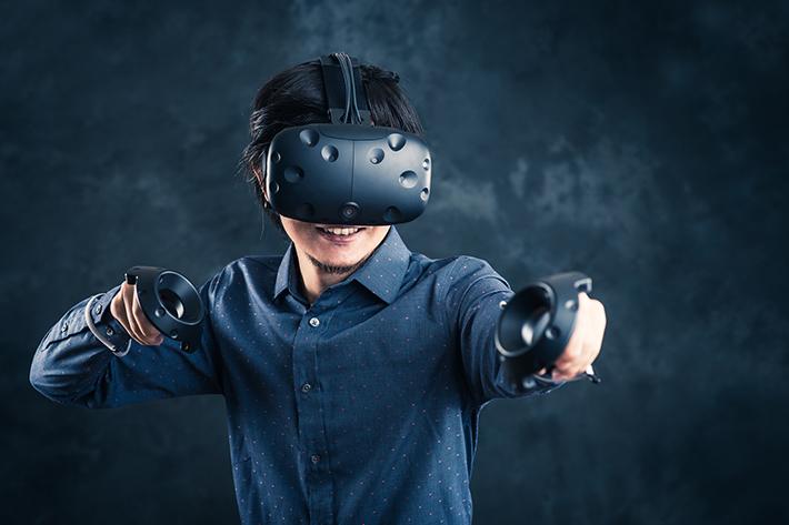 VRでまるで別世界で生きる自分になれる!?