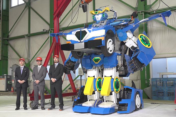 全長約4メートル、重さ1,695kg!