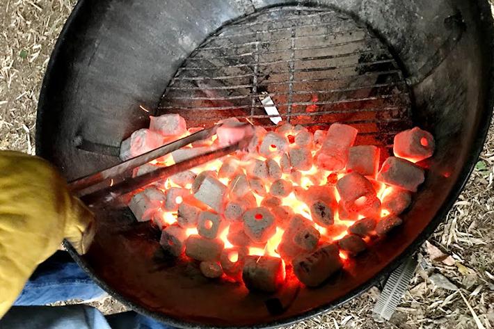 """焼き方は配置が重要! """"ツーゾーンファイア""""で配置を工夫し、料理をよりおいしく"""