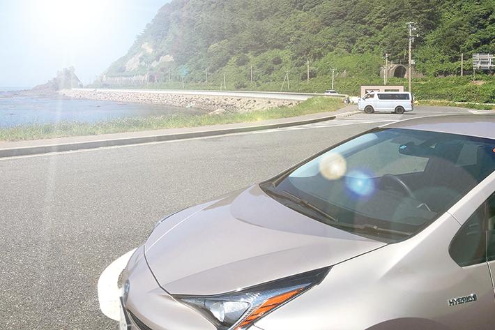 炎天下で車内のスマホ放置は危険?温度が一番高くなる場所と「スマホの熱中症」対策