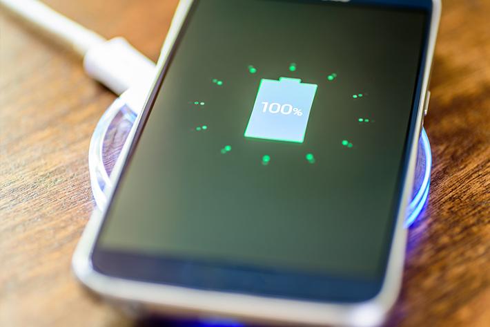 iPhoneやたくさんのスマホが対応する「Qi」規格