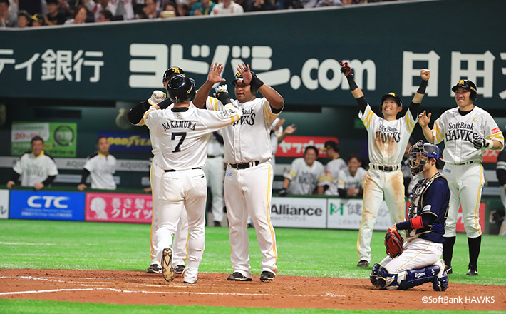 中村選手の逆転満塁弾で開幕3連戦を勝ち越し!