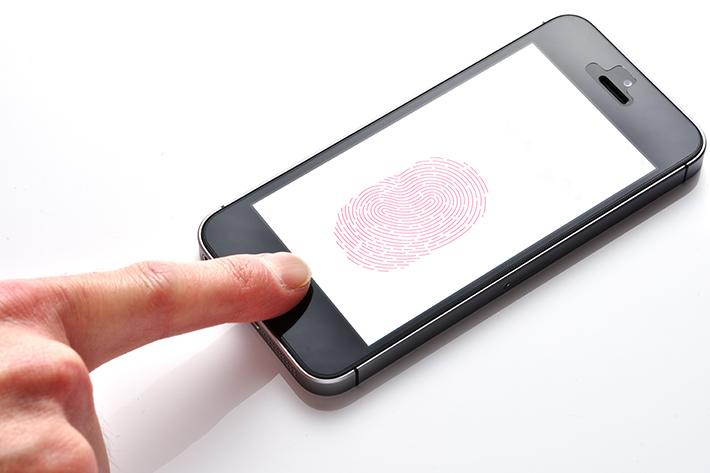 顔認証と指紋認証の違いは? どっちが良いの?