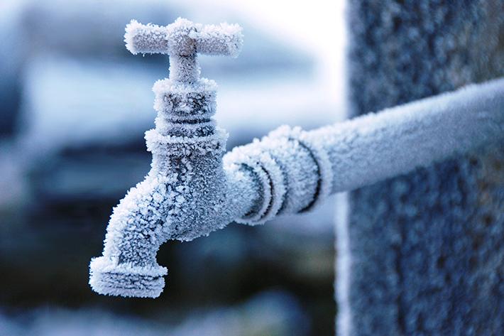 もう、凍らせない! 雪国特有の課題「水道管の凍結」をIoTで解決?
