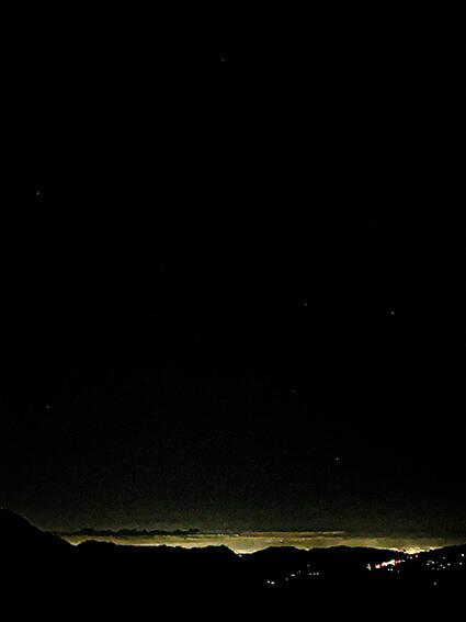 月や夜空をスマホでキレイに撮れる! プロカメラマンが教える撮影テクニック