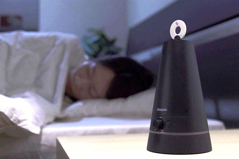 質の高い睡眠の秘訣と最新スリープガジェットを睡眠コンサルタント 友野なおが伝授