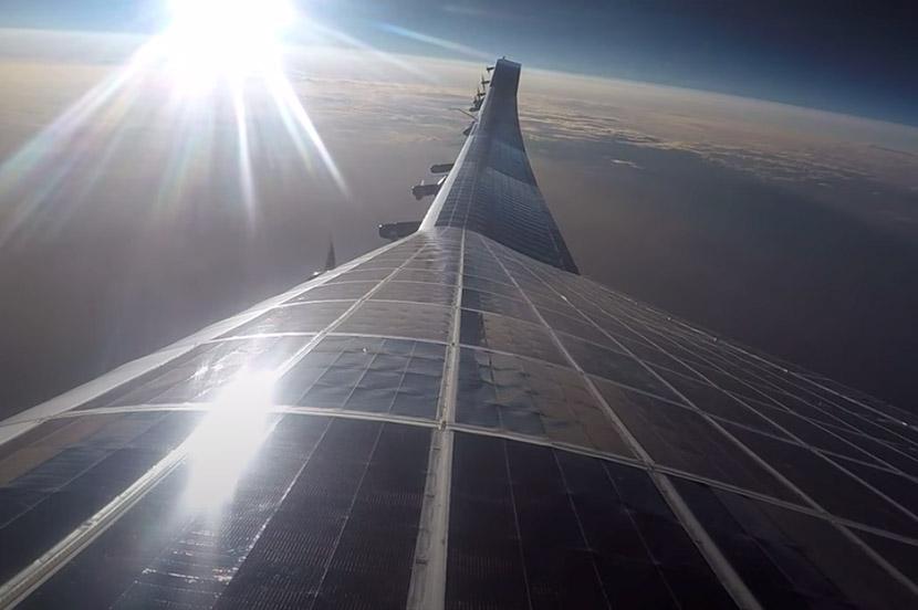 雲上の基地局「HAPS」。無人航空機の成層圏テスト飛行とスマホ同士の通信に世界で初めて成功