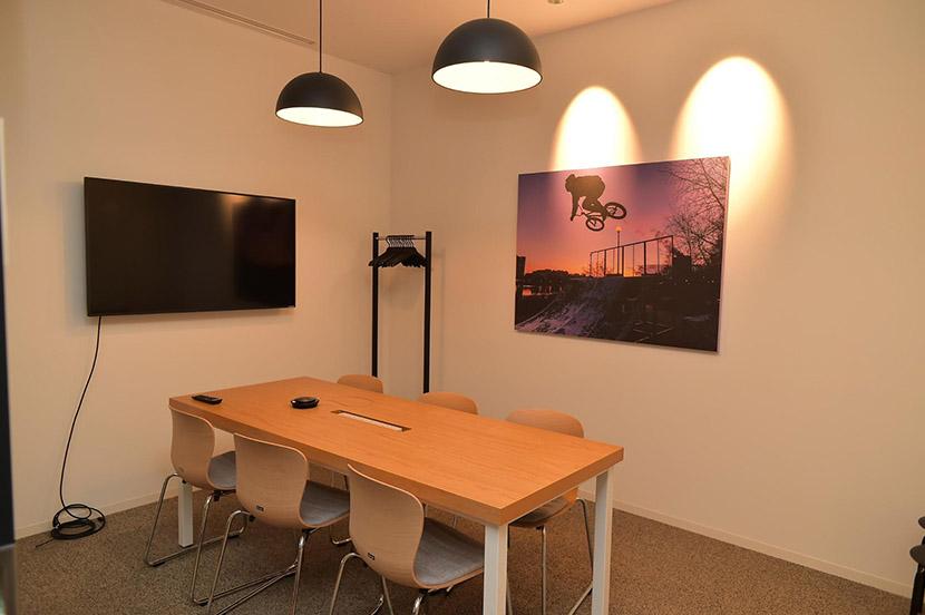 【初公開】ソフトバンクの竹芝新本社ビル オフィス探訪。人とのつながりを深め、イノベーションの創出を目指して