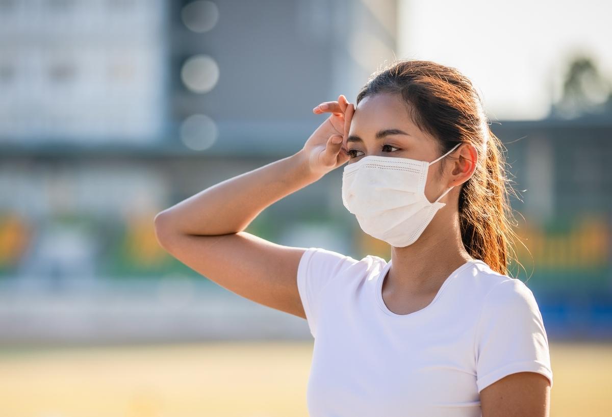 マスクをしていると、熱中症になりやすい?
