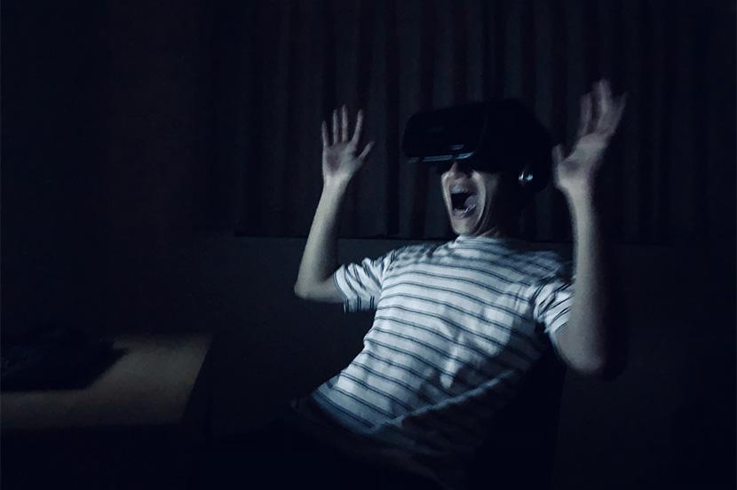夏といえば肝だめし。手軽にゾクっとできる「VR恐怖体験シリーズ」