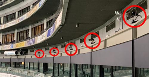 PayPayドームのグラウンドを囲むカメラ
