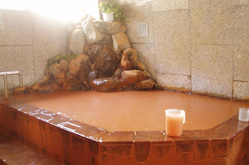コロナ禍の影響は大きかった全国の温泉地。今おススメなのは「秘境」