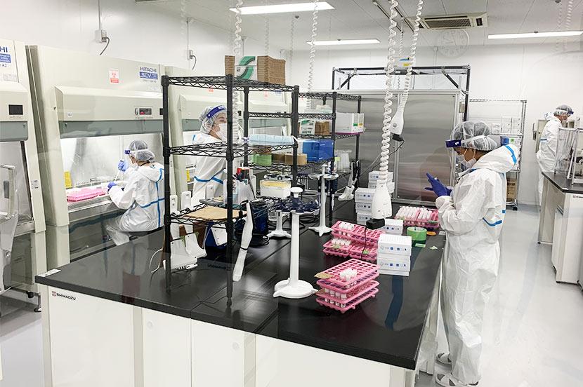 公開された東京PCR検査センターの様子
