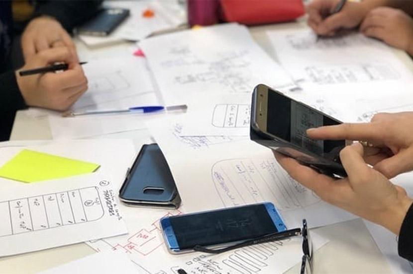 開発はオフィスでできるんじゃない。 解決策はユーザーがいる場で見つかるんだ!