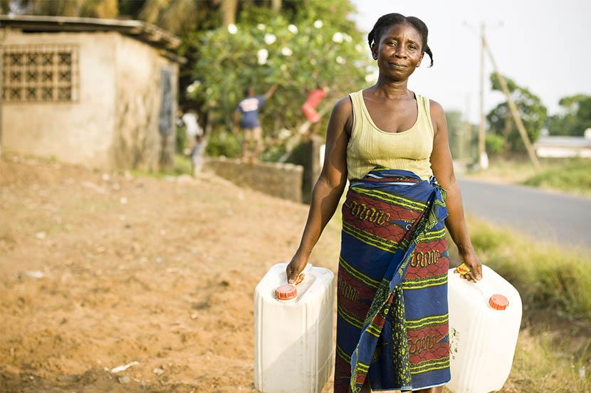SDGsの目標8「働きがいも 経済成長も」。誰もが人間らしく働き続けられる世界へ(3分で分かるSDGs)