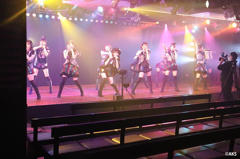 カメラの向こうの君に届け! AKB48劇場 配信限定公演の舞台裏レポート