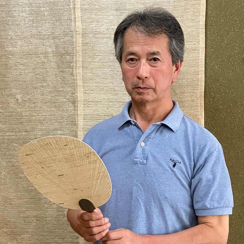 葛利活用コンソーシアム会長で掛川葛布事業協同組合の小崎隆志組合長にお話をうかがいました。