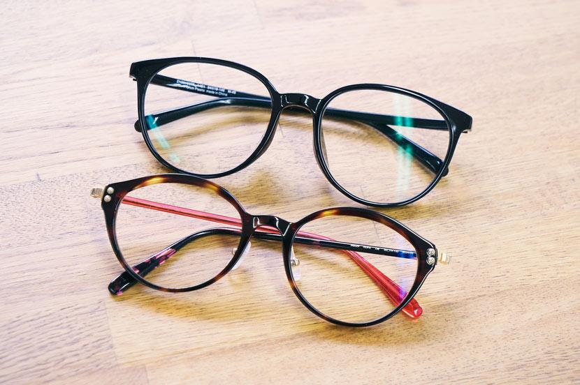 リモート会議で好印象のメガネとは?