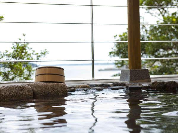 大江戸温泉物語 伊勢志摩の露天風呂の昼間の画像