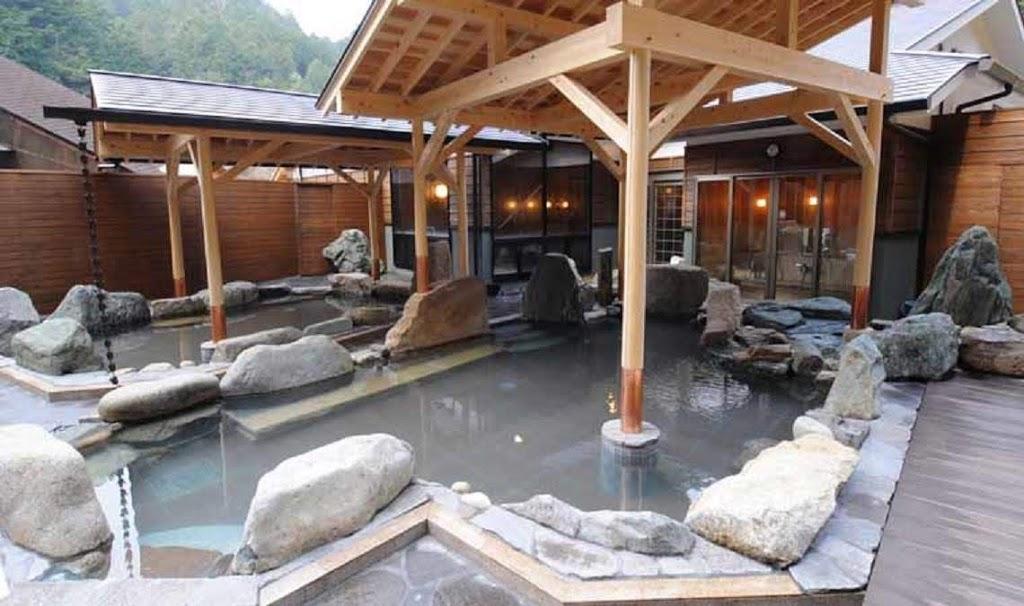 かさがた温泉せせらぎの湯の露天風呂