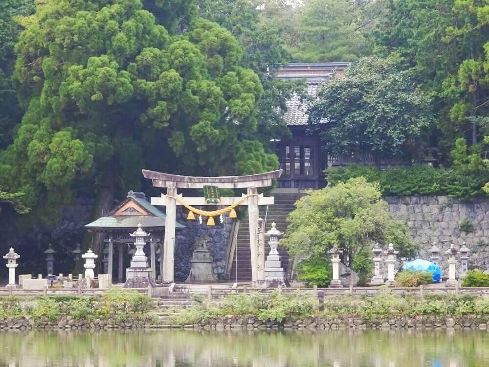 グリーンパーク山東の三島(嶋)神社の鳥居