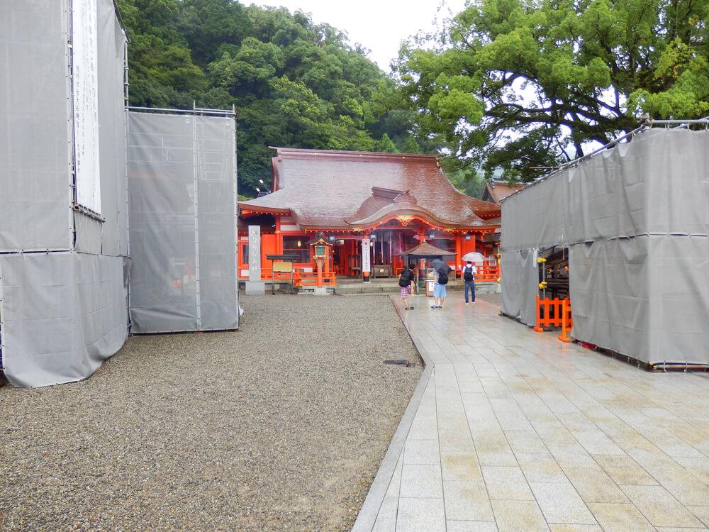 改装工事中の熊野那智大社