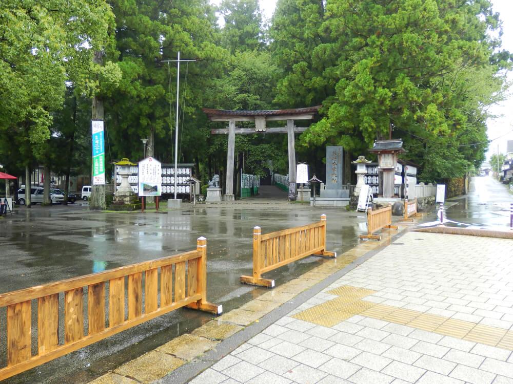 熊野本宮大社の参道入口の鳥居