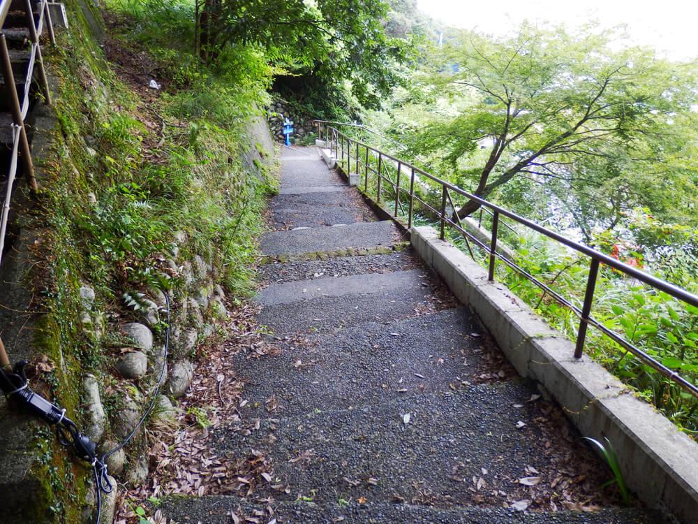 岐阜県の養老の滝への遊歩道