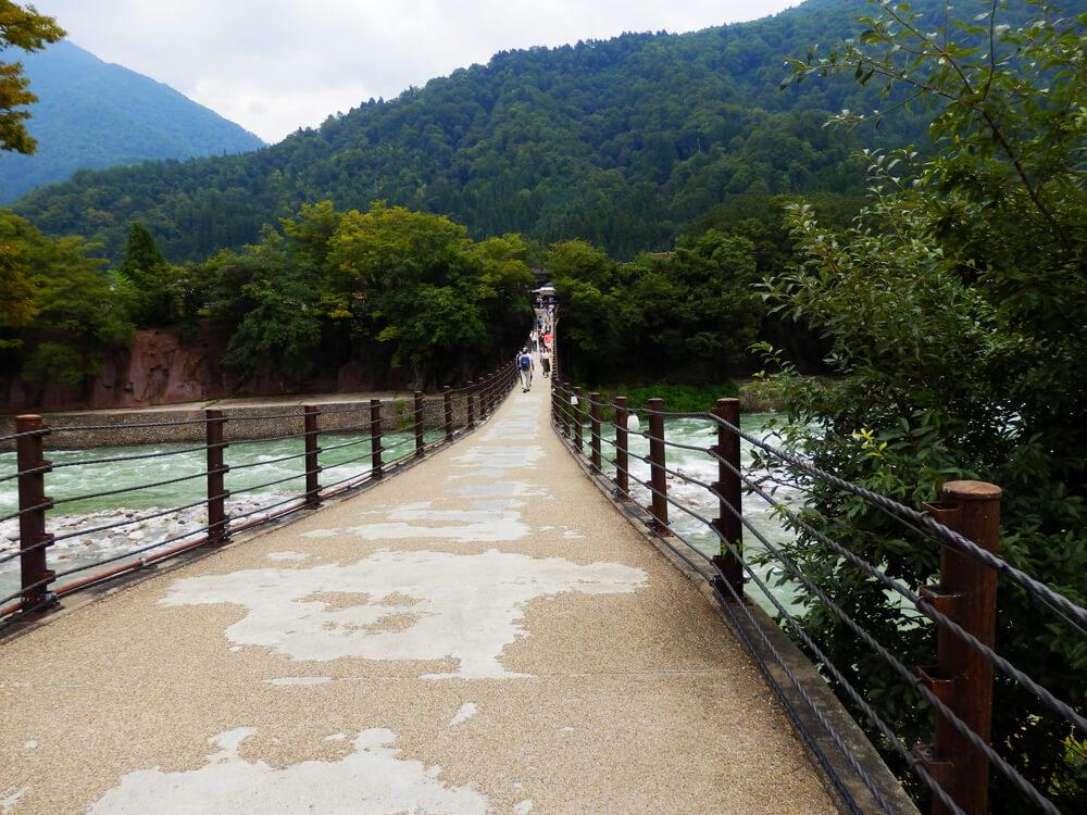 白川郷合掌村のであい橋