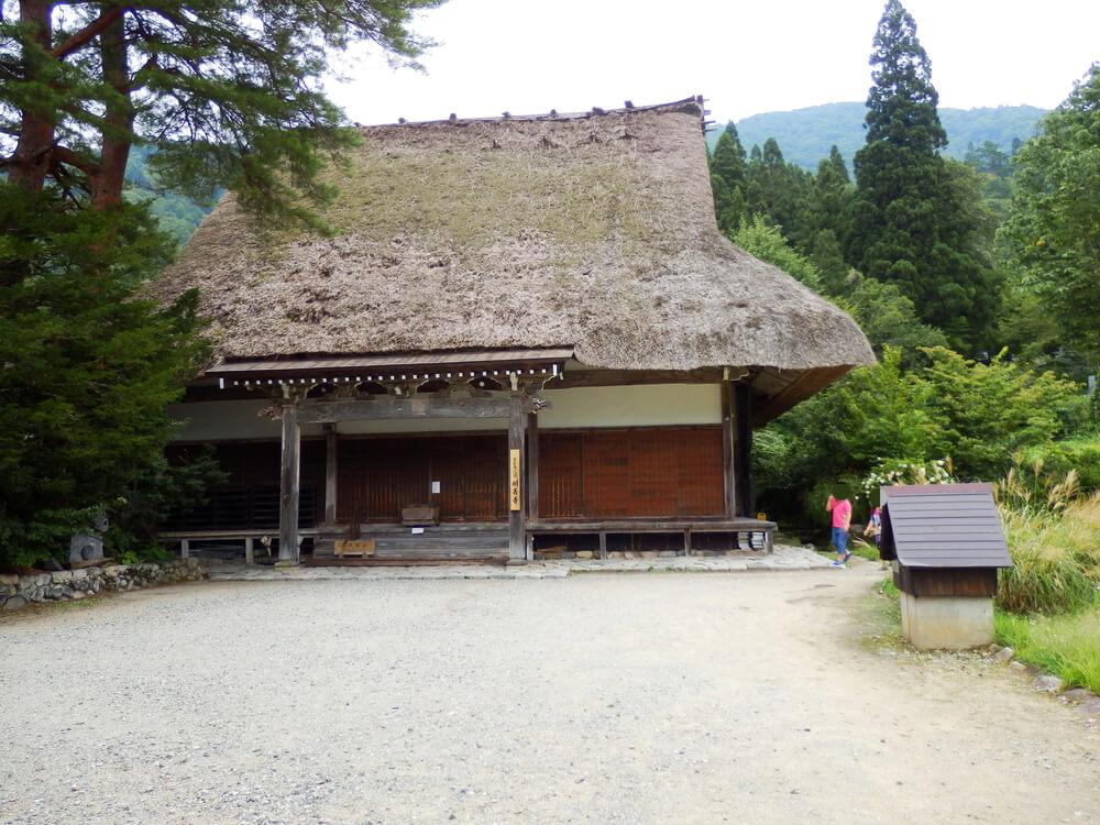 白川郷合掌村の明善寺の本堂