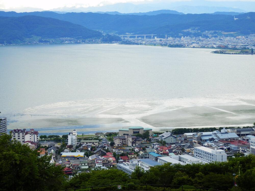 長野県の立石公園の時計塔からの眺望