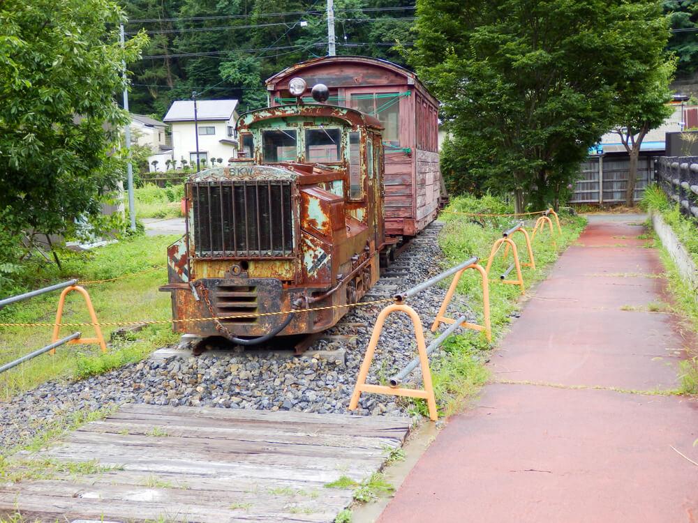 長野県塩尻市の奈良井宿の木曽森林鉄道の展示車両