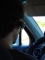 タクシーのおにーちゃんサングラスと眼鏡ダブル掛け!