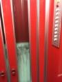 エレベータは基本手動。扉閉まらないと動かない