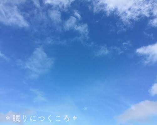 台風直前快晴の沖縄の空