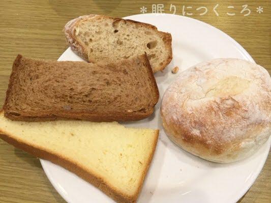 マルコポーロのモーニング食パン白パン黒パンライ麦パン