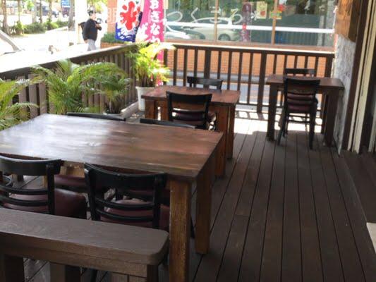沖縄市マルコポーロのテラス席